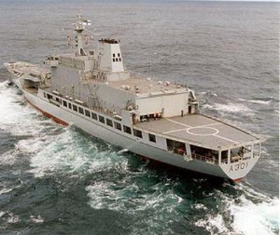 SAS Drakensberg (A301).